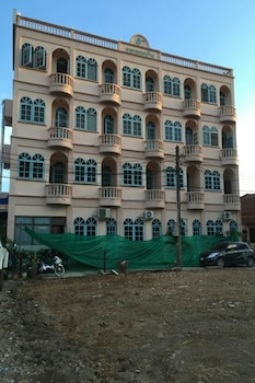 Picture of Khok Chang Building in Karon