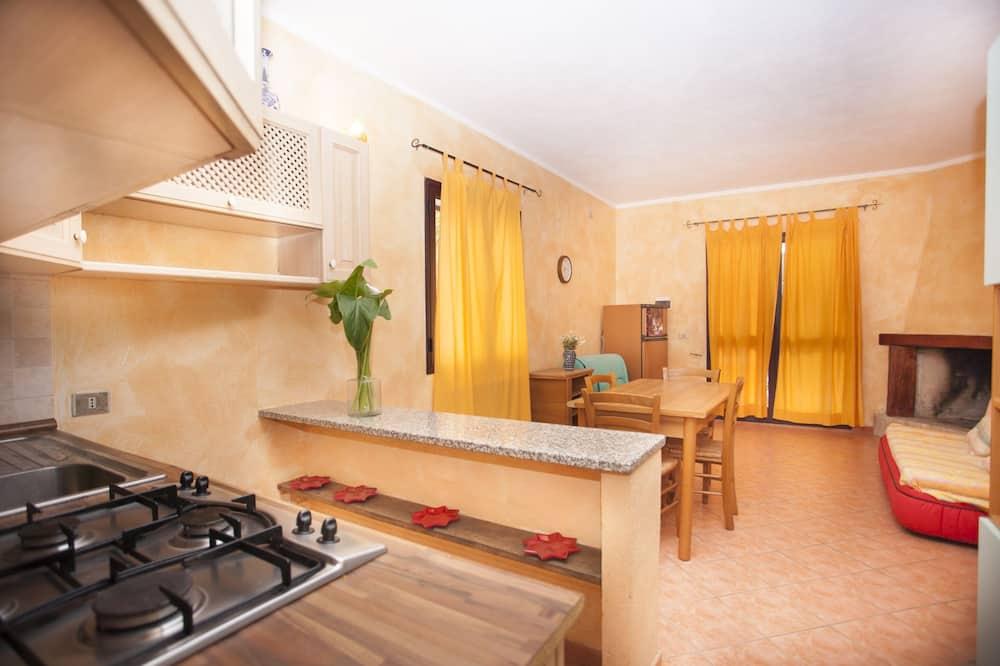 คอมฟอร์ทอพาร์ทเมนท์, 3 ห้องนอน, ลานระเบียง, ติดสวน - พื้นที่นั่งเล่น