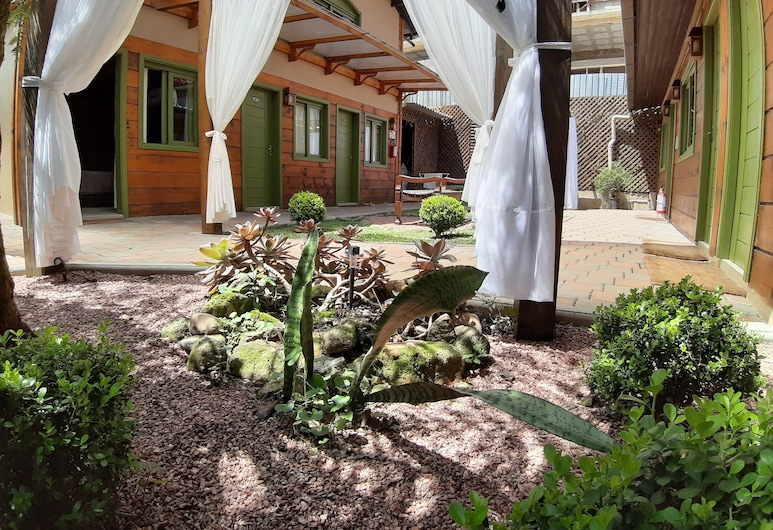 Pousada Charm Canela, Canela, Courtyard