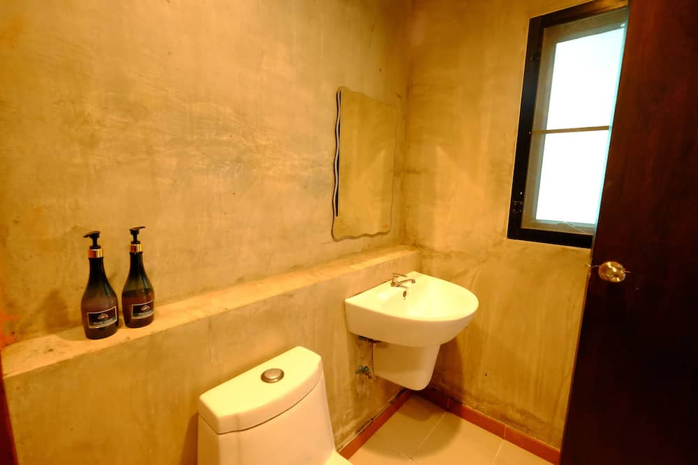 Standard King Room  - Kupaonica