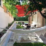 شقة مريحة - ٣ غرف نوم - تِراس/ فناء مرصوف