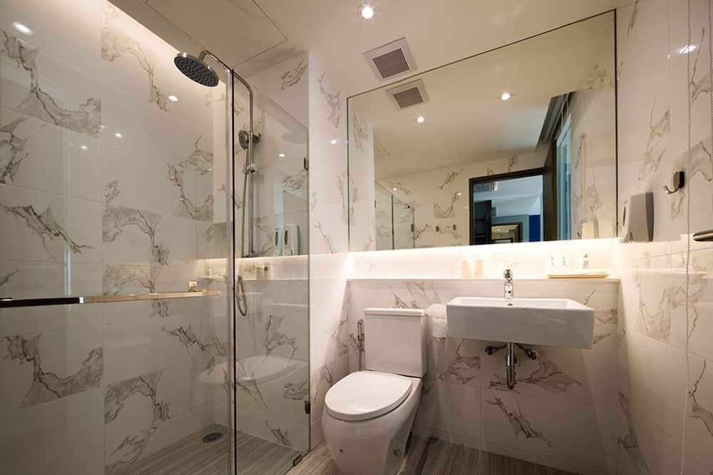 スーペリア ツインルーム シングルベッド 2 台 - バスルーム