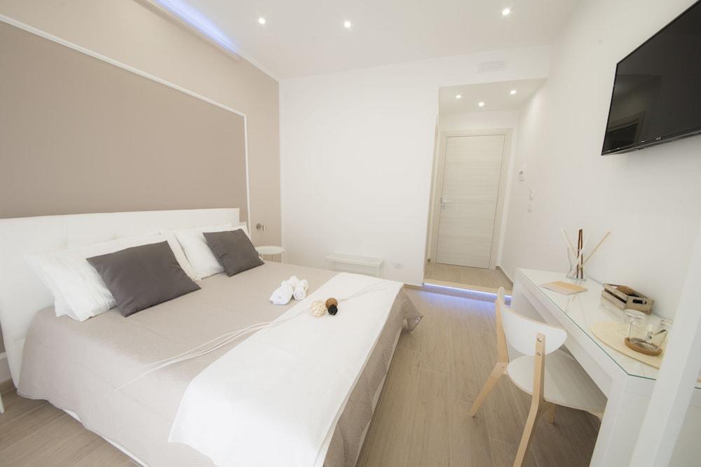 Prenota B&B Chérie - Centro di Salerno a Salerno - Hotels.com