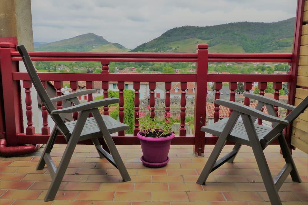 Quarto Duplo Standard, Casa de Banho Partilhada (CHAMBRE 3) - Vista a partir das Varandas