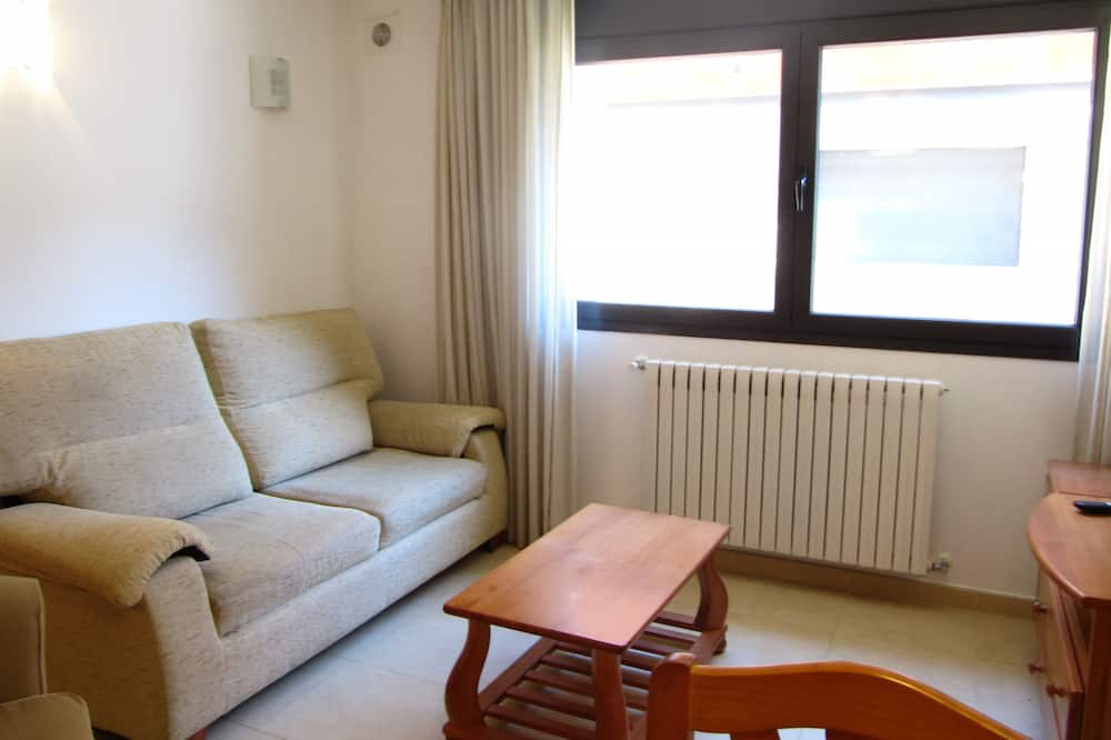 Apartment, 1 Bedroom, Mountain View - Living Room