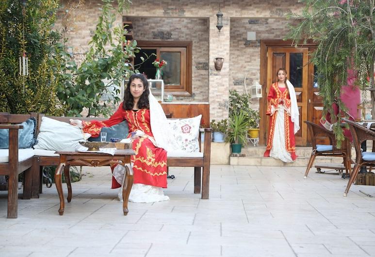 Elif Hatun Konagi, Tarsus, Habitación doble Grand, Sala de estar