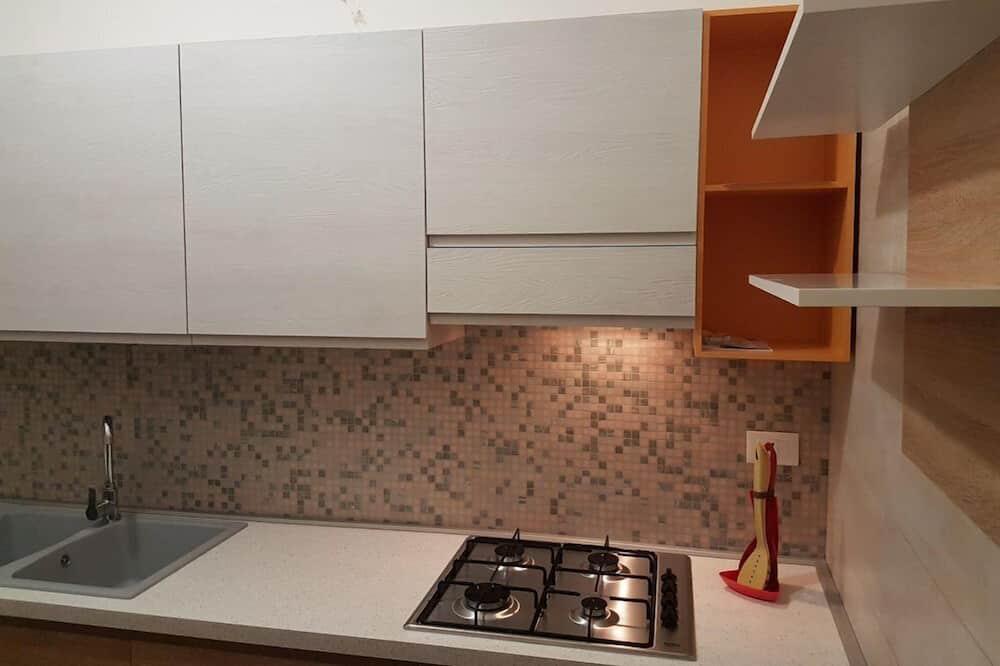 Triple Room, Shared Bathroom - Shared kitchen