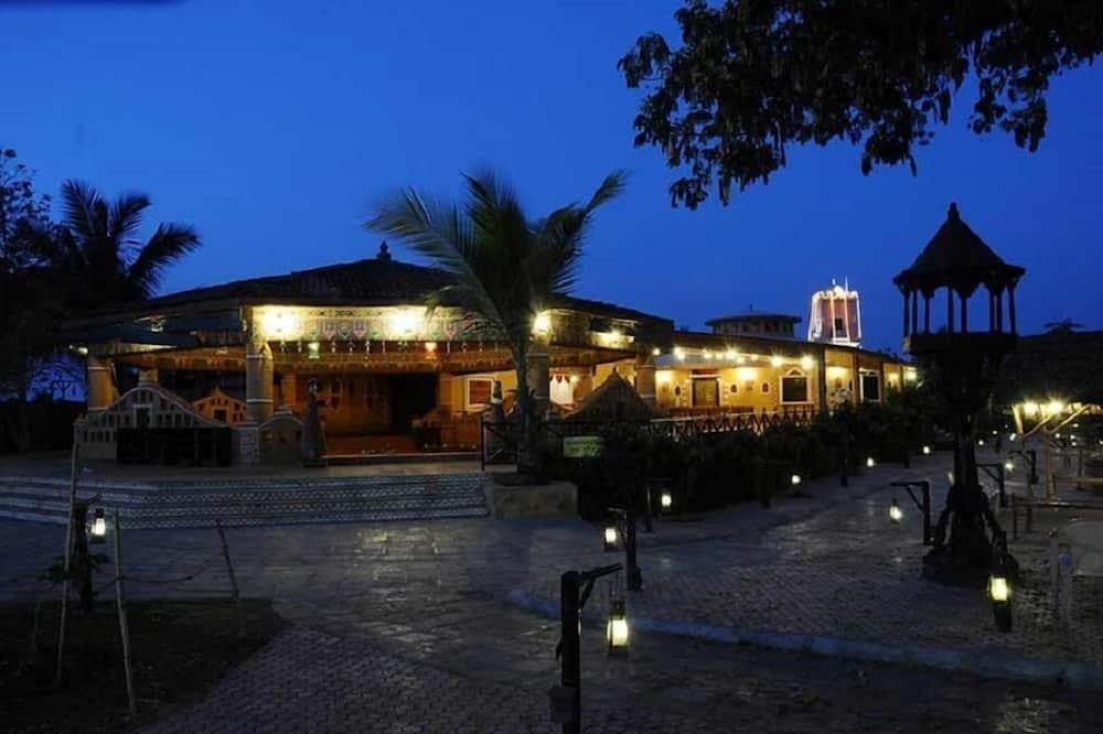 Chouki Dhani Resort