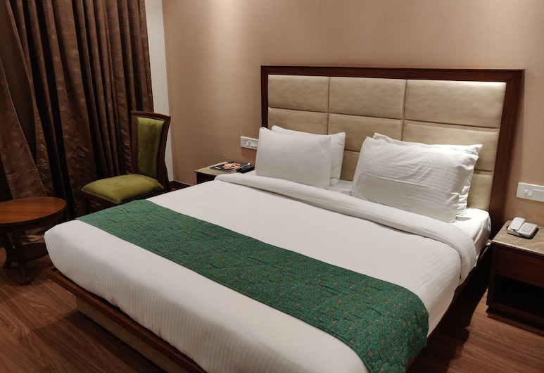 Hotel Maple Grand, Agra, Deluxe Double Room, 1 Bedroom, Smoking, City View, Guest Room