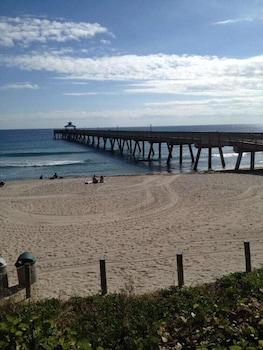 Foto Costa Este Beach Vacation di Pantai Deerfield