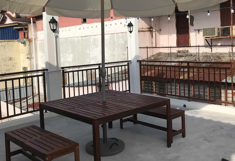 Rainbow Guesthouse, George Town, Terrass