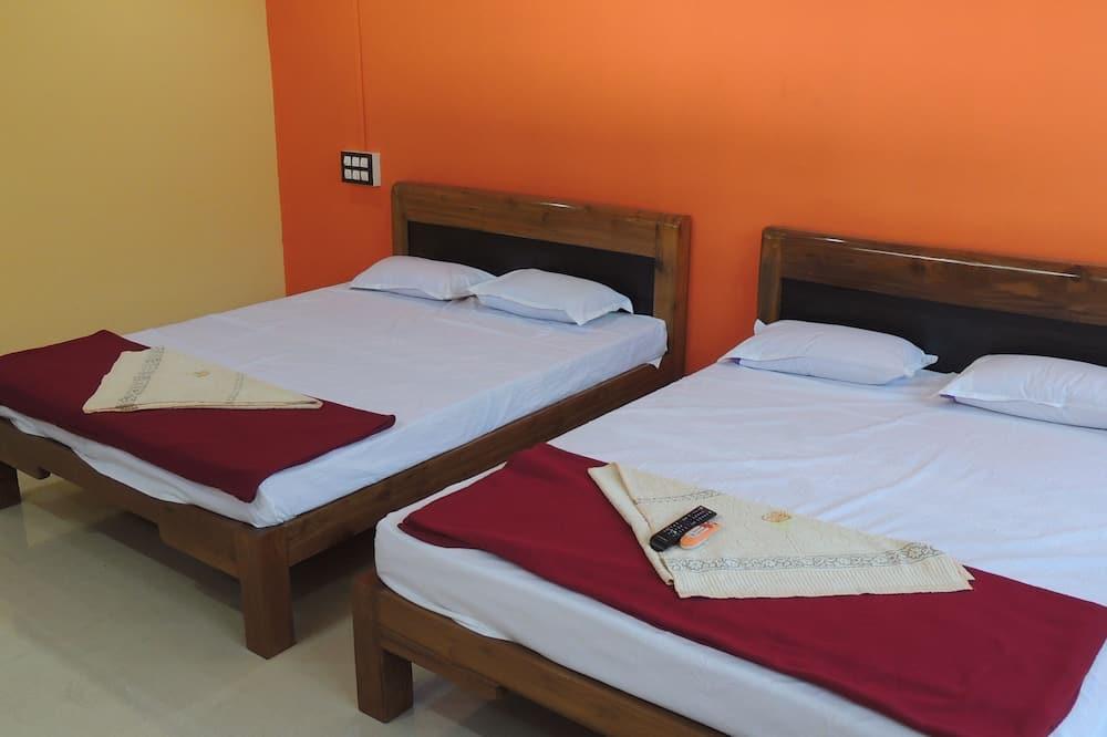 Четырехместный номер «Сити», 2 двуспальные кровати «Квин-сайз», отдельная ванная комната - Вид из номера