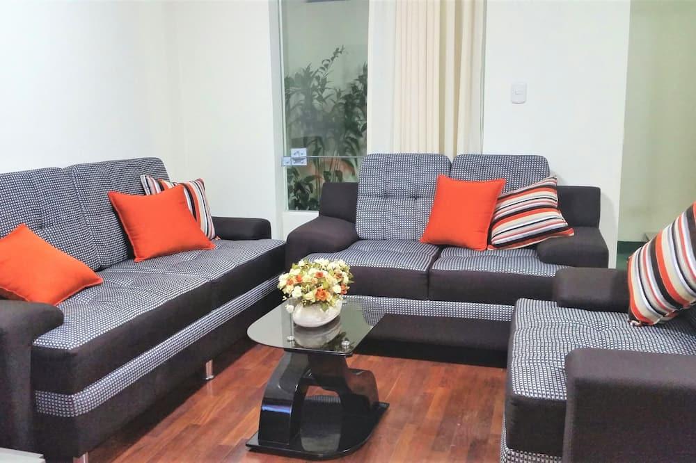 شقة (3 debs) - غرفة معيشة