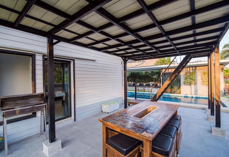 華欣斯爾拉 102 泳池別墅酒店, Hua Hin, 池畔酒吧