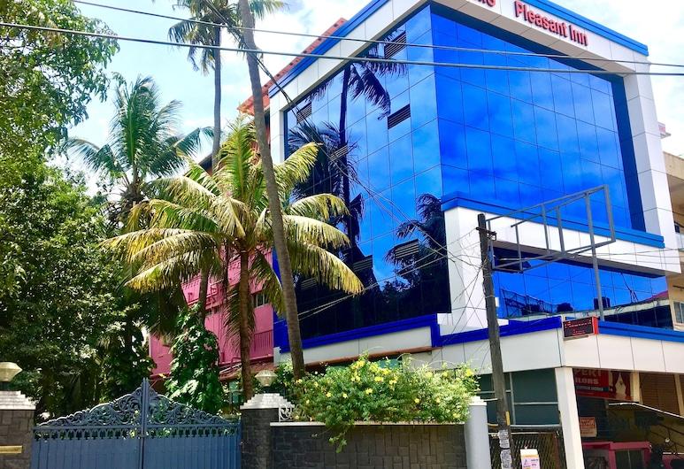 Pleasant Inn, Kochi, Hotel Front