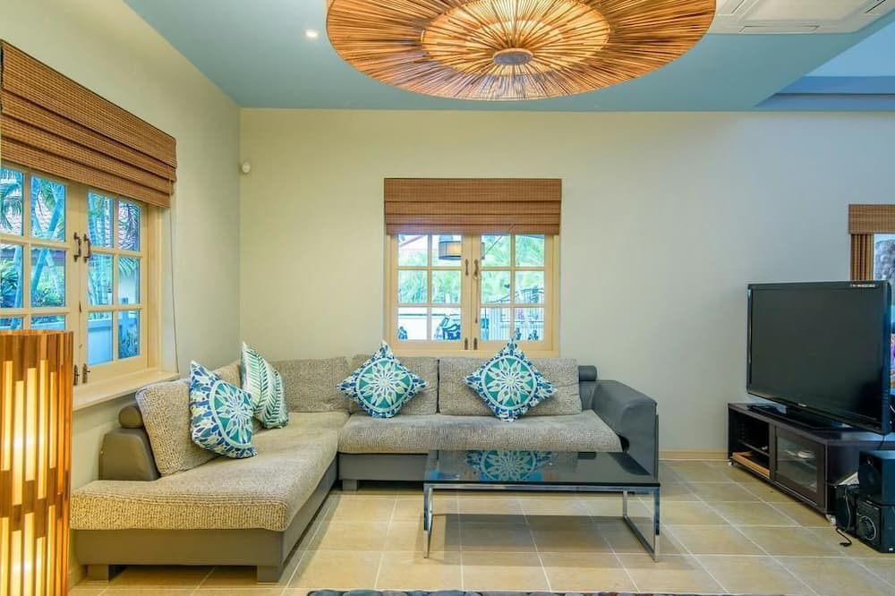 3 Bedrooms Villa  - Phòng khách