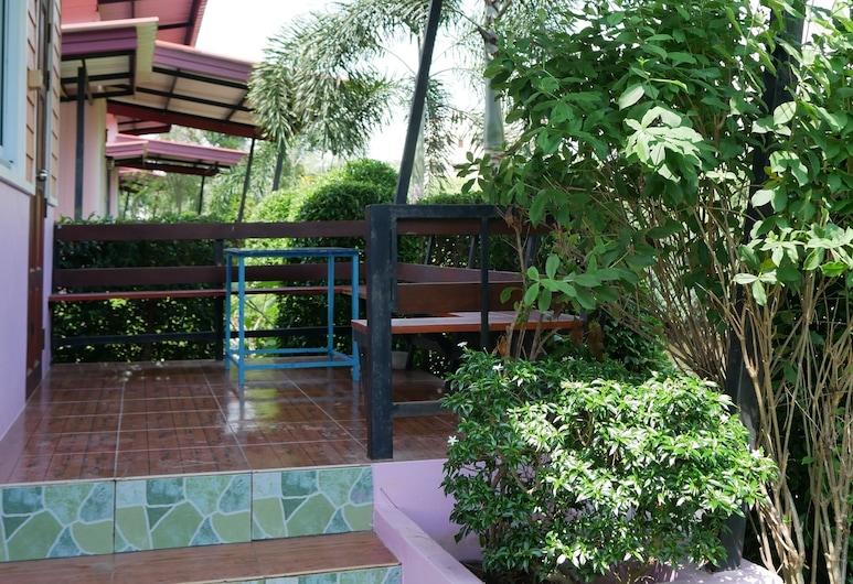 Panumas Resort, Mueang Chanthaburi, Standardbungalow, Terrasse/patio