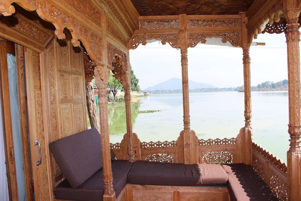 Suite de Luxo, 1 cama king-size, Banheira de Hidromassagem, Vista Lago - Varanda