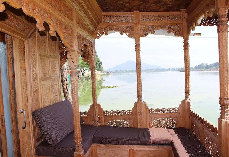 Nigeen Lake View Resort, Srinagar, Luxury Houseboat Suite With Lake View, Balcony