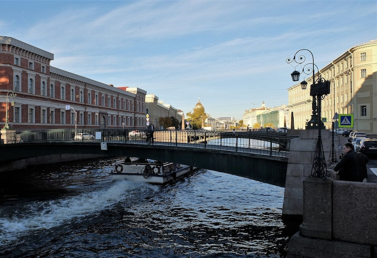 RentalSPb 4 City bridge, St. Petersburg, Interior Entrance