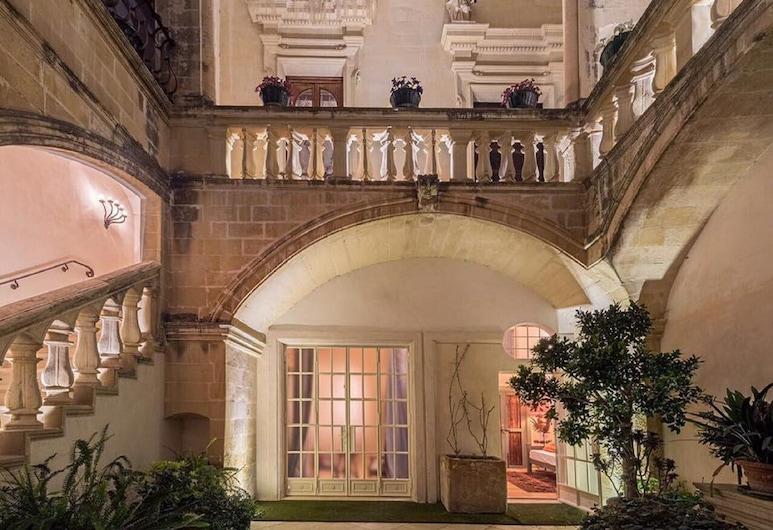 B&B Palazzo Gorgoni, Lecce, Hotel Entrance