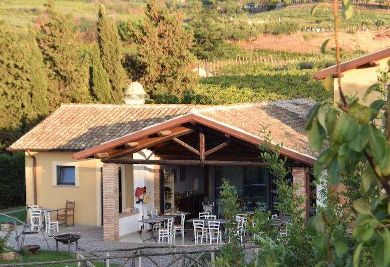 Country House Erba Regina, Frascati, Įėjimas į viešbutį