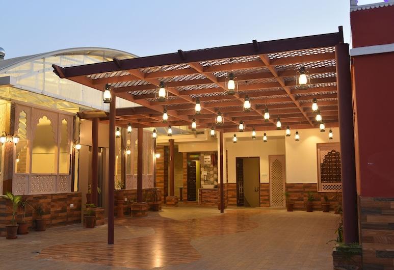 Jaipur Hotel New, Jaipur, Terraza o patio
