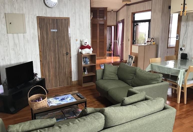 Guest House Ikoi, Uruma, Lobby Sitting Area