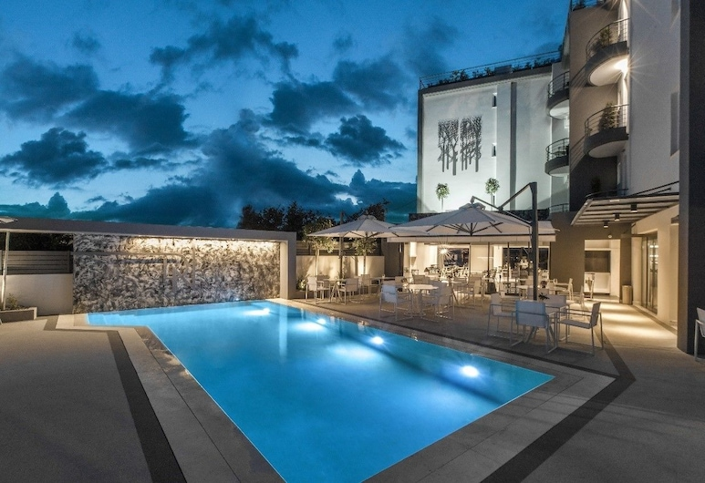 Garden City Resort, Kalamata, สระว่ายน้ำ