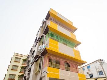 15 Closest Hotels to ISKCON Sri Mayapur Chandrodaya Temple in