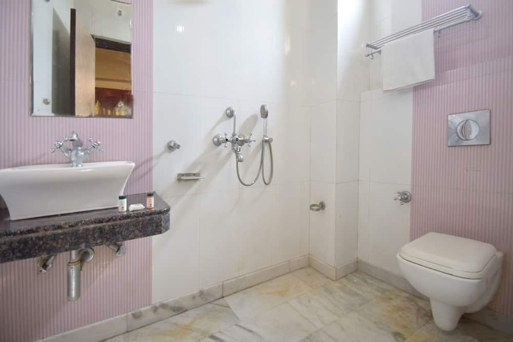 Kamer, 1 twee- of 2 eenpersoonsbedden - Badkamer