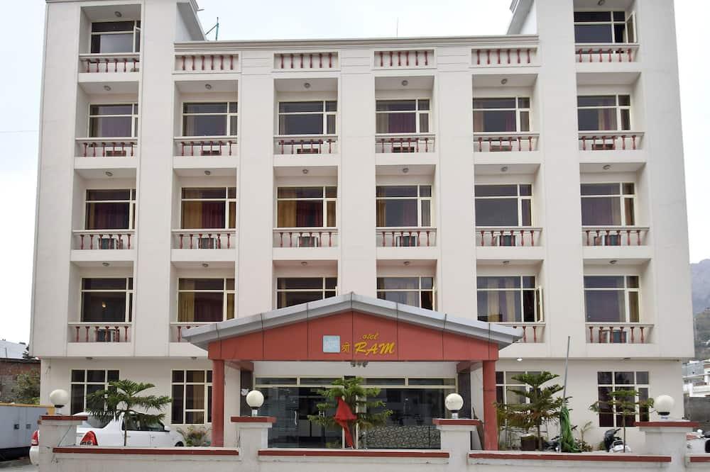 OYO 11616 Hotel Shree Ram