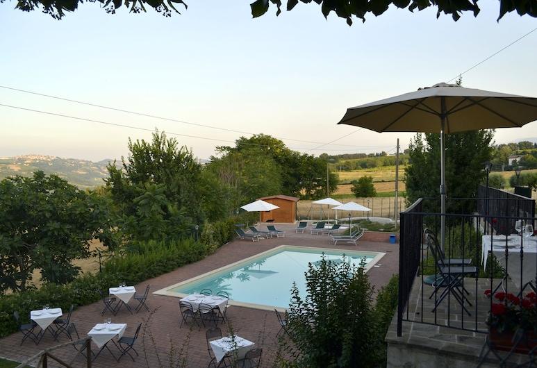 Country House il Tiglio, Мерго, Открытый бассейн