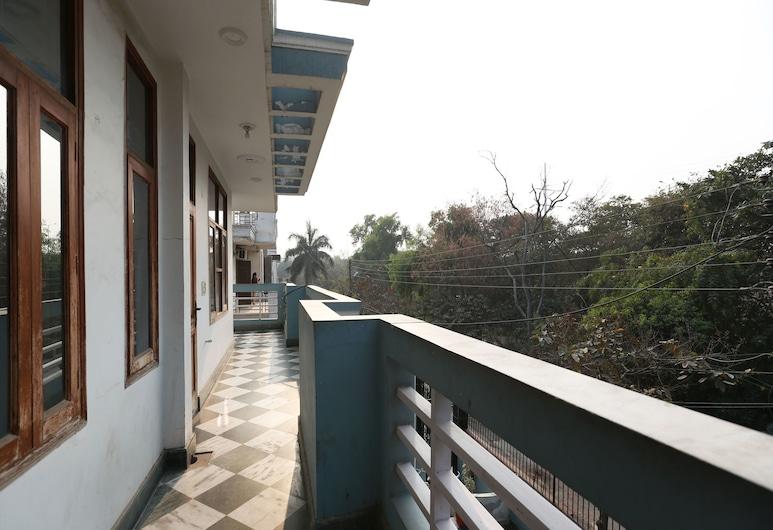 OYO 11752 Hotel Sun Palace Residency, Noida, Terrasse/Patio