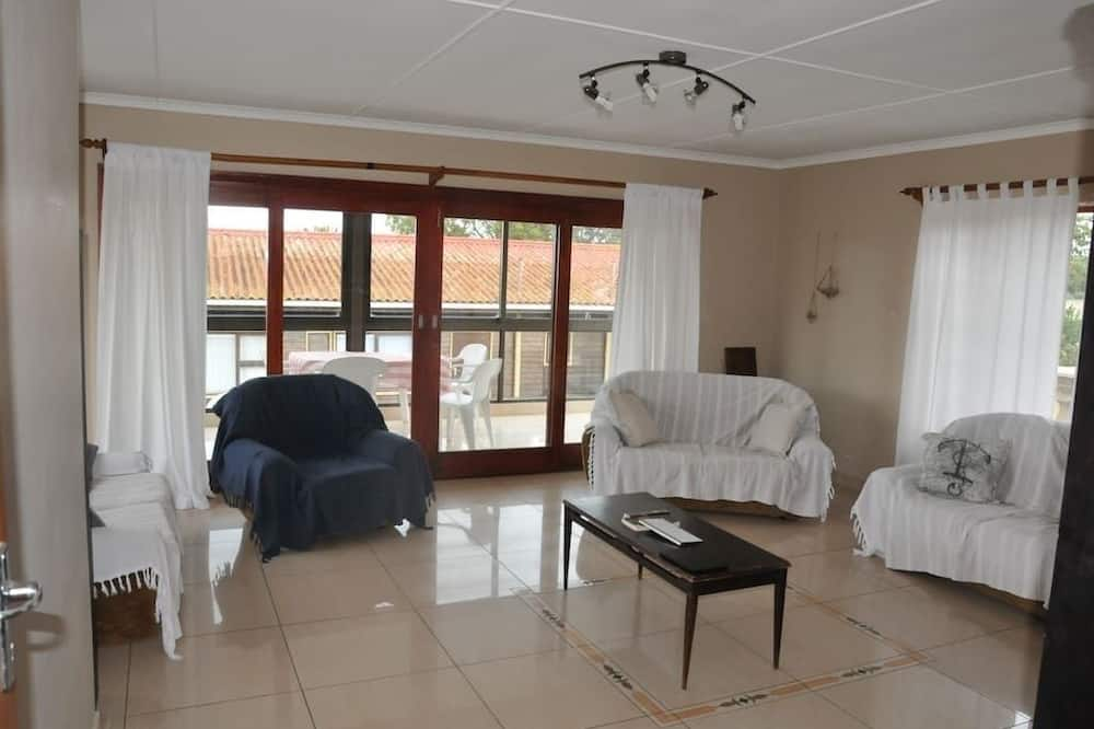Nhà, 5 phòng ngủ - Phòng khách