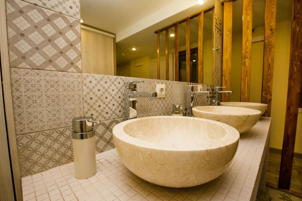 Shared Dormitory, Mixed Dorm - Bathroom