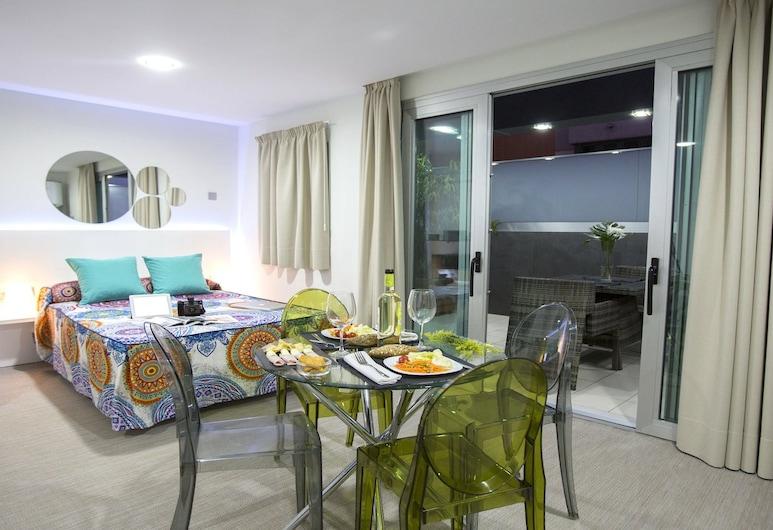 Valentina Beach Apartments & Suites, Las Palmas de Gran Canaria, Pusluksusa numurs, terase, Numurs