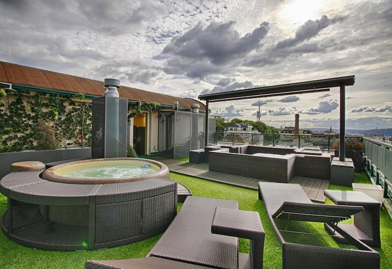 Panoramic Apartment Roof Terrace&Jacuzzi, Prag