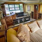 Dvoupodlažní apartmá s panoramatickým výhledem, 2 ložnice, vířivka, výhled na město - Obývací prostor