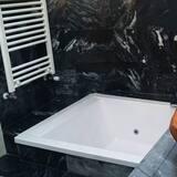 جناح - حوض الحمام