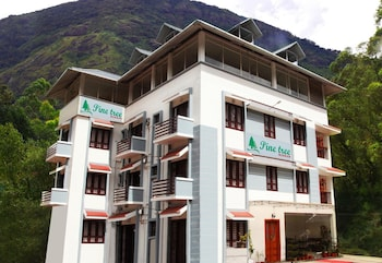 Enter your dates to get the Munnar hotel deal