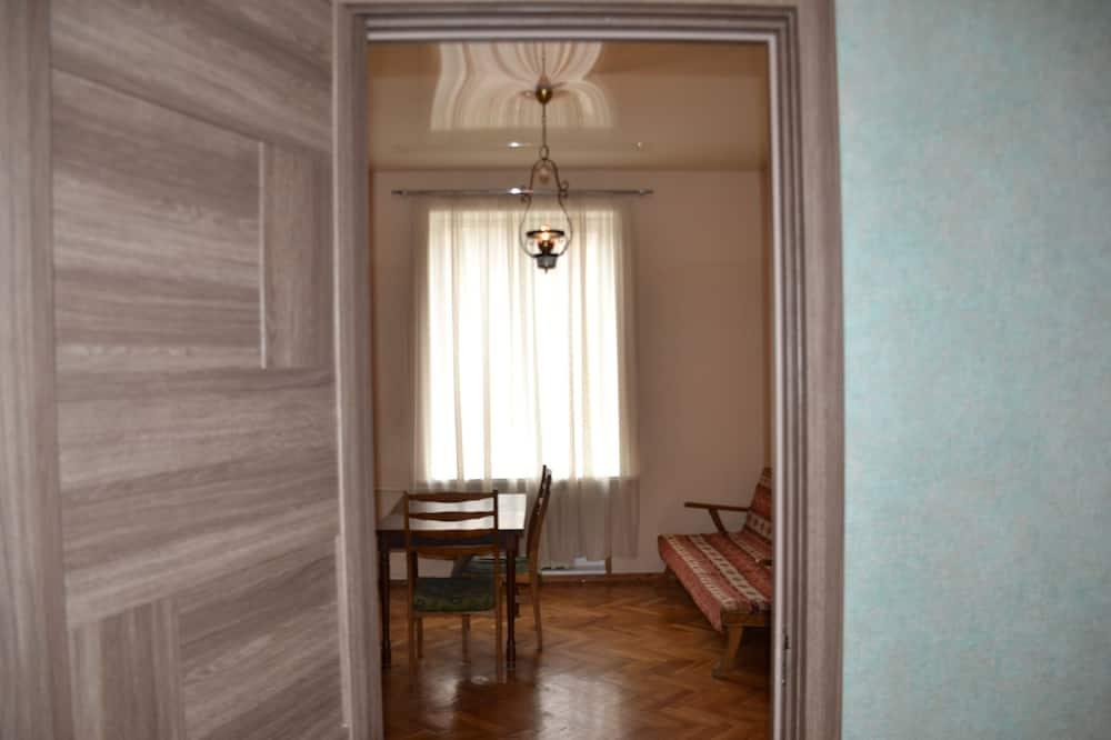 家庭公寓, 2 間臥室, 廚房, 山景 - 客廳