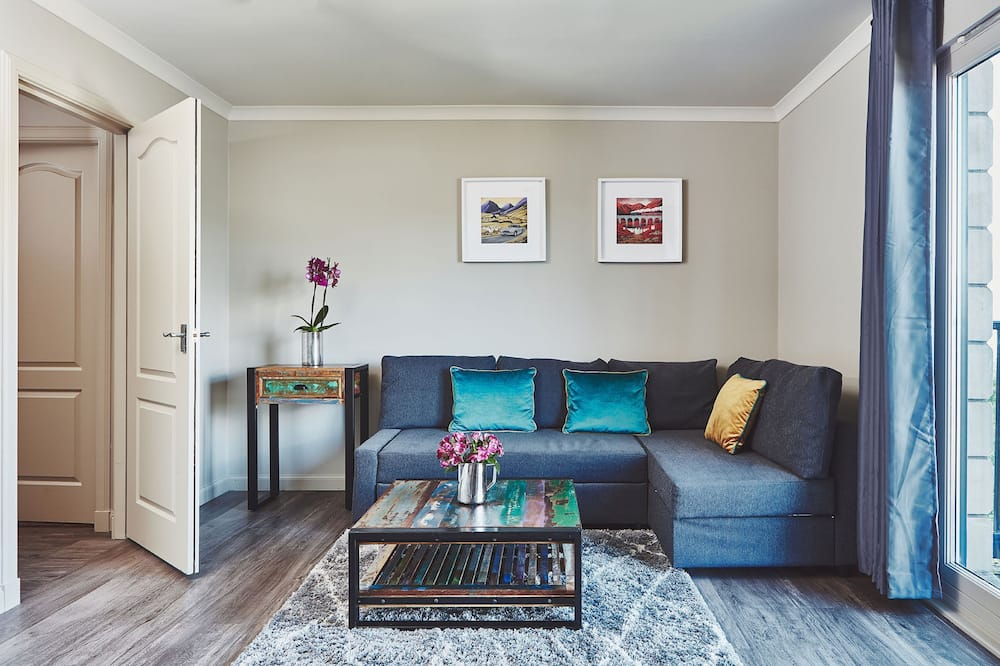Garrison Apartments - Guest Room