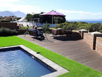 Picture of Hermanus Whale's Tail Guesthouse in Hermanus