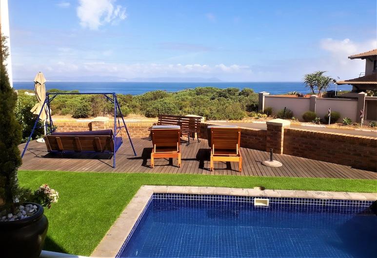 Hermanus Whale's Tail Guesthouse, Hermanus, Luxury sviit, 1 lai voodi, vaade ookeanile, asukoht ookeani kaldal, Vaade toast