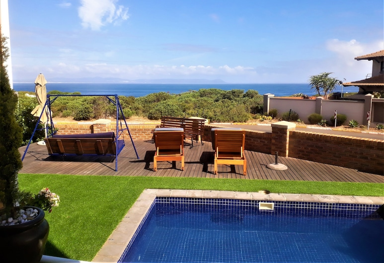 Hermanus Whale's Tail Guesthouse, Hermanus, Luxury Suite, 1 Queen Bed, Ocean View, Oceanfront, Guest Room View