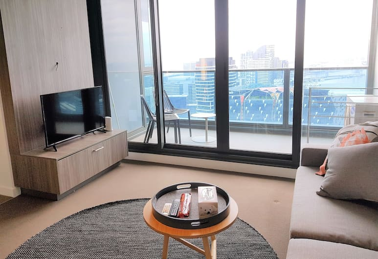Readyset on Upper West Side, Melbourne, Panoramic Apartment, 2 Bedrooms, Living Area