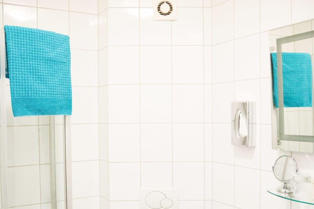 Apartamento Grand, cocina básica - Cuarto de baño