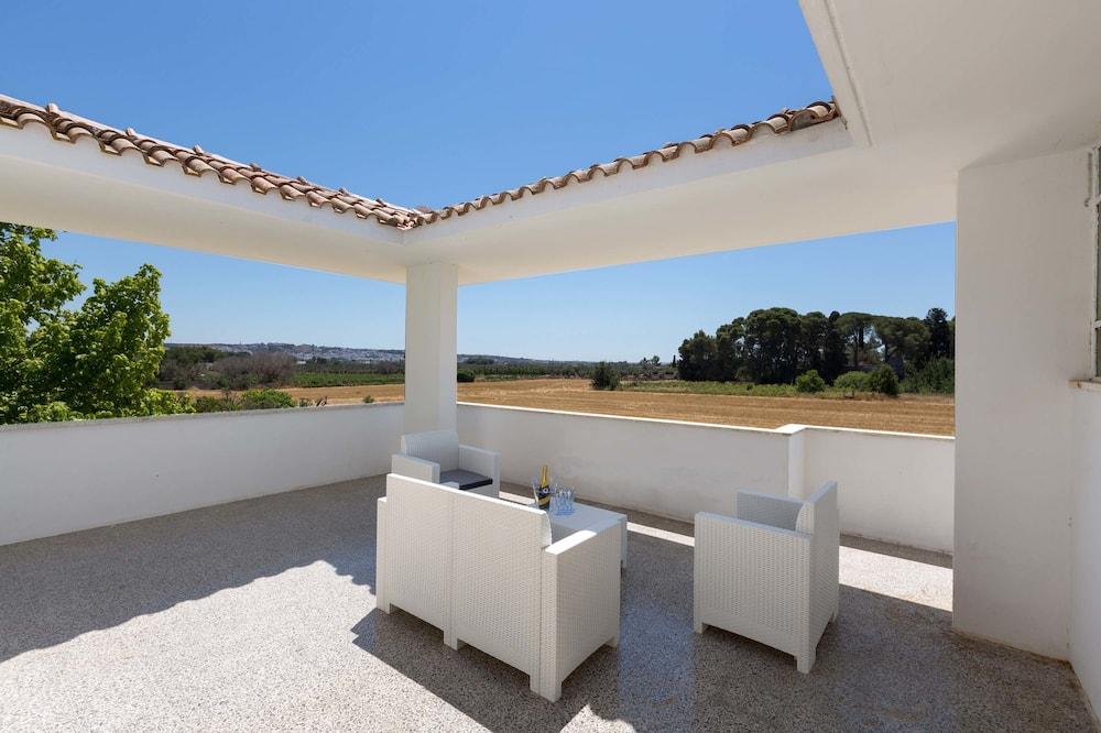 Standard Villa, 4 Bedrooms - Terrace/Patio