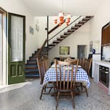 Standard Villa, 4 Bedrooms - In-Room Dining
